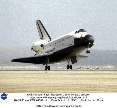 STS-67 Endeavour Landing at Edwards