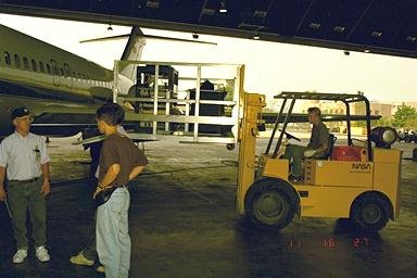 DC-9 AIRPLANE LOADING AND FLIGHT