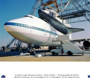 Shuttle Discovery Being Unloaded from SCA-747 at Palmdale, California, Maintenance Facility