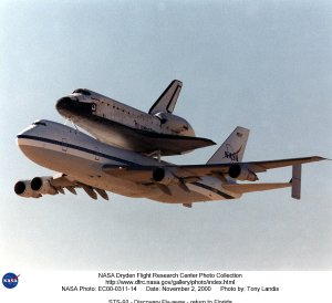 STS-92 - Discovery Fly-away - return to Florida