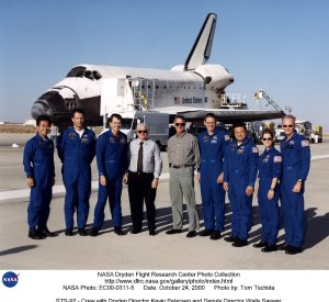 STS-92 - Crew with Dryden Director Kevin Petersen and Deputy Director Wally Saywer