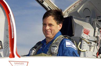 STS-107 Payload Specialist Ilan Ramon arrives at KSC for TCDT