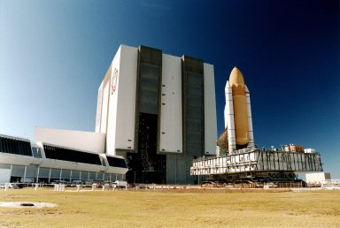 STS-81 Rolls out of the Vehicle Assembly Building