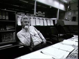 STS-32 Flight Director Reeves sits at console in JSC's MCC Bldg 30 FCR