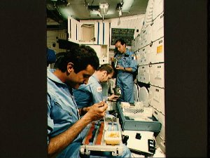 STS 51-G simulate meal session on orbiter's middeck