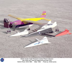 Hyper III and M2-F2 models on lakebed with radio controlled Mothership