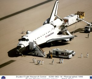 STS-36 on Edwards Runway with Recovery Personnel