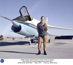 F-8 SCW on ramp with test pilot Tom McMurtry