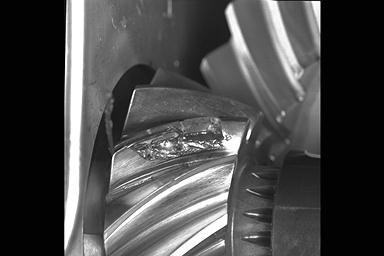 SPIRAL BEVEL PINION THERMOCOUPLED AT THE SURFACE VIA ELECTRO-DISCHARGE MACHINE