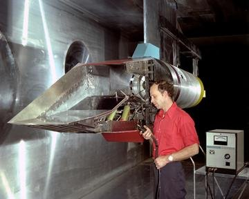 100-0 INLET IN THE 10X10 FOOT WIND TUNNEL
