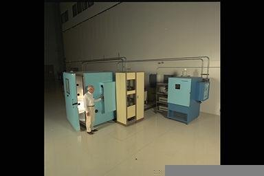 ENVIRONMENTAL CHAMBERS FOR SPACE EXPERIMENTS