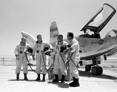 HL-10 On Rogers Dry Lake Bed With Pilots