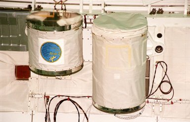 Two GetAway Special canisters (GAS can) are installed in Discovery?s payload bay for mission STS-102. The smaller one, left, is filled with student experiments from schools in St. Louis (hosted by Washington University at St. Louis). The larger, at right, is an experiment on Shuttle vibration force. STS-102 is the 8th construction flight to the International Space Station and will carry the Multi-Purpose Logistics Module Leonardo. STS-102 is scheduled for launch March 1, 2001. On that flight, Leonardo will be filled with equipment and supplies to outfit the U.S. laboratory module Destiny. The mission will also be carrying the Expedition Two crew to the Space Station, replacing the Expedition One crew who will return on Shuttle Discovery