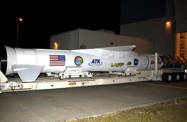 KENNEDY SPACE CENTER, FLA. - The Pegasus XL launch vehicle, with the Solar Radiation and Climate Experiment (SORCE) satellite aboard, is ready for transfer to Cape Canaveral Air Force Station (CCAFS), Fla. Built by Orbital Sciences Corporation (OSC), SORCE will study and measure solar irradiance as a source of energy in the Earth's atmosphere. The launch of SORCE is scheduled for Jan. 25 at 3:14 p.m. from CCAFS. The drop of the Pegasus will be from OSC's L-1011 aircraft at an altitude of 39,000 feet over the Atlantic Ocean approximately 100 miles east-southeast of Cape Canaveral.