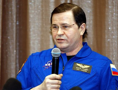 STAR CITY, RUSSIA - Expedition Six Flight Engineer Nikolai Budarin speaks during a Press Conference at the Gagarin Cosmonaut Training Center in Star City, Russia. The Expedition Six crew spent 161 days in space, 159 manning the International Space Station. Photo Credit: NASA/Bill Ingalls