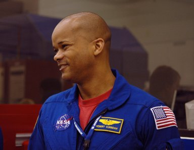 KENNEDY SPACE CENTER, FLA. - STS-116 Mission Specialist Robert Curbeam arrives at the SPACEHAB Payload Processing Facility at Port Canaveral, Fla., to participate in the Crew Equipment Interface Test. Mission crews make frequent trips to the Space Coast to become familiar with the equipment and payloads they will be using. STS-116 will be mission No. 20 to the International Space Station and construction flight 12A.1. The mission payload is the SPACEHAB module, the P5 integrated truss structure and other key components. Launch is scheduled for no earlier than Dec. 7. Photo credit: NASA/Kim Shiflett