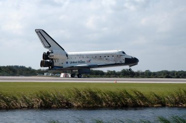 KENNEDY SPACE CENTER, FLA. -- Space shuttle Discovery touches down on Runway 33 of the Shuttle Landing Facility at NASA's Kennedy Space Center, concluding the 15-day mission STS-120. Commander Pamela Melroy is at the controls, along with Pilot George Zamka. Main gear touchdown was 1:01:16 p.m. Wheel stop was at 1:02:07 p.m. Mission elapsed time was 15 days, 2 hours, 24 minutes and 2 seconds. The STS-120 crew continued the construction of the station with the installation of the Harmony Node 2 module and the relocation of the P6 truss. Photo credit: NASA/Jim Grossmann