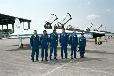 STS-87 astronaut crew members prepare to fly back to Johnson Space Center in Houston after participating in the Crew Equipment Integration Test (CEIT) at Kennedy Space Center (KSC) in early October. From left are Payload Specialist Leonid Kadenyuk of the National Space Agency of Ukraine; Mission Specialist Takao Doi, Ph.D., of the National Space Development Agency of Japan; Mission Specialist Winston Scott; Commander Kevin Kregel; Pilot Steven Lindsey; and Mission Specialist Kalpana Chawla, Ph.D. The CEIT gives astronauts an opportunity to get a hands-on look at the payloads with which they will be working on-orbit. STS-87 will be the fourth United States Microgravity Payload and flight of the Spartan-201 deployable satellite. During the STS-87 mission, scheduled for a Nov. 19 liftoff from KSC, Dr. Doi and Scott will both perform spacewalks