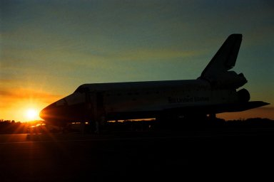 KENNEDY SPACE CENTER, FLA. -- The orbiter Endeavour closes the day peacefully on KSC's Shuttle Landing Facility Runway 15, completing the nearly nine-day STS-89 mission. Main gear touchdown was at 5:35:09 p.m. EST on Jan. 31, 1998. The wheels stopped at 5:36:19 EST, completing a total mission time of eight days, 19 hours, 48 minutes and four seconds. The 89th Space Shuttle mission was the 42nd (and 13th consecutive) landing of the orbiter at KSC, and STS-89 was the eighth of nine planned dockings of the Space Shuttle with the Russian Space Station Mir. STS-89 Mission Specialist Andrew Thomas, Ph.D., succeeded NASA astronaut and Mir 24 crew member David Wolf, M.D., who was on the Russian space station since late September 1997. Dr. Wolf returned to Earth on Endeavour with the remainder of the STS-89 crew, including Commander Terrence Wilcutt; Pilot Joe Edwards Jr.; and Mission Specialists James Reilly, Ph.D.; Michael Anderson; Bonnie Dunbar, Ph.D.; and Salizhan Sharipov with the Russian Space Agency. Dr. Thomas is scheduled to remain on Mir until the STS-91 Shuttle mission returns in June 1998. In addition to the docking and crew exchange, STS-89 included the transfer of science, logistical equipment and supplies between the two orbiting spacecrafts