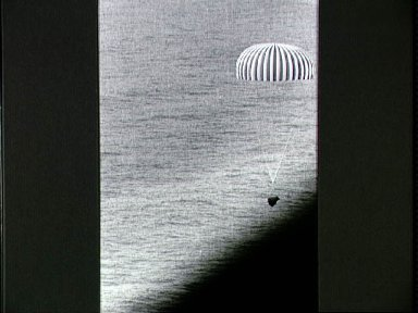 Gemini 10 spacecraft touches down in the Atlantic Ocean at end of mission