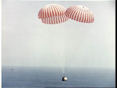 Apollo 9 spacecraft approaches touchdown in Atlantic recovery area