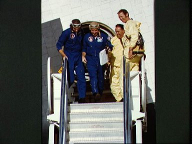 Astronauts Engle and Truly egress Shuttle Orbiter 101 after fourth ALT