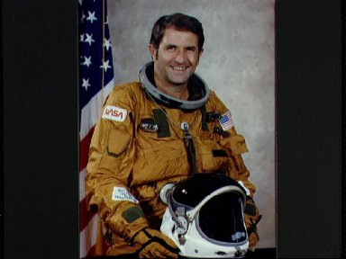 Offical portrait of Astronaut Richard Truly