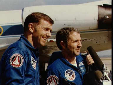 STS-2 crewmen Engle and Truly at Ellington upon arrival from KSC after scrub