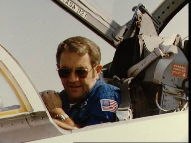Views of Engle and Truly at Ellington AFB prior to departure for KSC