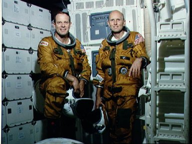 Official portrait photo of the STS-3 Crew Lousma and Fullerton