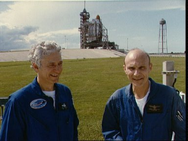 STS-4 crew takes break during CDDT for STS-4