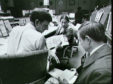 Mission Operations Control Room (MOCR) activities during STS-6 mission