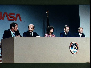 Post flight press conference for the STS-7 mission