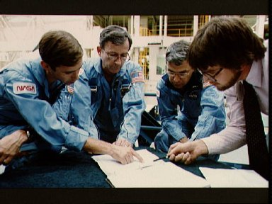 STS-9 crewmembers in training session in bldg 9A