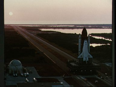 Rollout of shuttle Discovery for 41-D mission