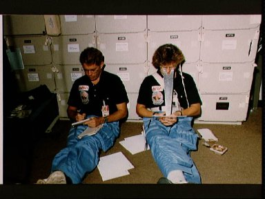Astronaut training for STS 41-D mission