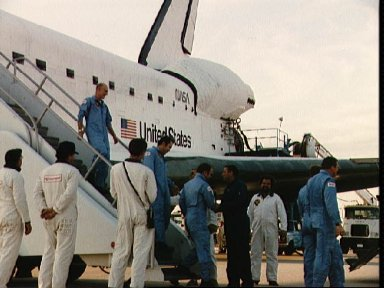 Landing of the shuttle Discovery at end of STS 51-C mission