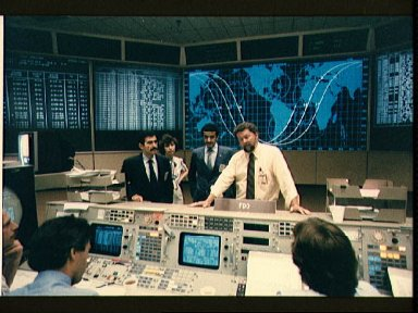 Visit of Saudi payload specialists to mission control center