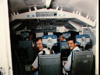 STS 51-G crewmembers participate in training in crew compartment trainer