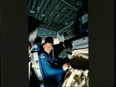 STS-29 Commander Coats in JSC fixed base (FB) shuttle mission simulator (SMS)