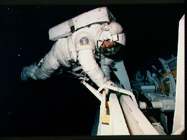 STS-26 MS Lounge participates in contingency EVA exercises in JSC WETF