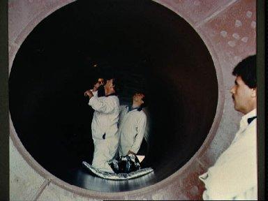 STS-27 Atlantis, OV-104, solid rocket booster (SRB) inspection