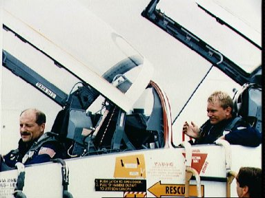 STS-26 crewmember Hauck and Nelson in T-38 NASA 912 arrive at KSC SLF