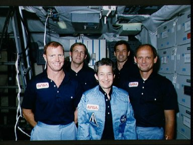 STS-30 crewmembers pose for informal portrait on JSC FB-SMS middeck