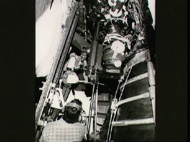 STS-29 Discovery, OV-103, SSME turbo pump removal at KSC LC Pad 39B