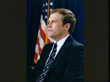 STS-30 Mission Specialist Lee during preflight press conference at JSC