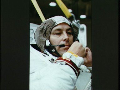 STS-37 Mission Specialist (MS) Ross prepares for EVA exercise in JSC WETF