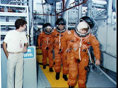 STS-34 crewmembers on 195 ft level of KSC LC Pad 39B during TCDT