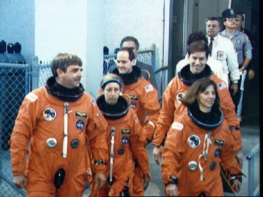 STS-32 crew exit KSC O and C during Terminal Countdown Demonstration Test (TCDT)