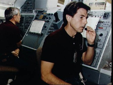 STS-35 ASTRO-1 MS Parker and Payload Specialist Durrance train at MSFC